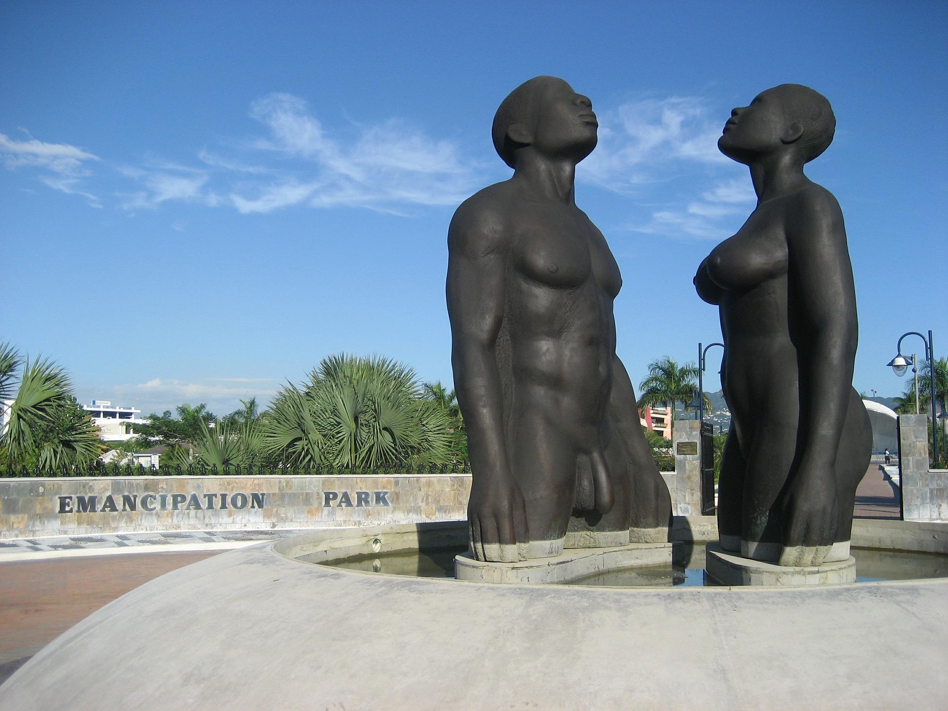 statue-440288_1920